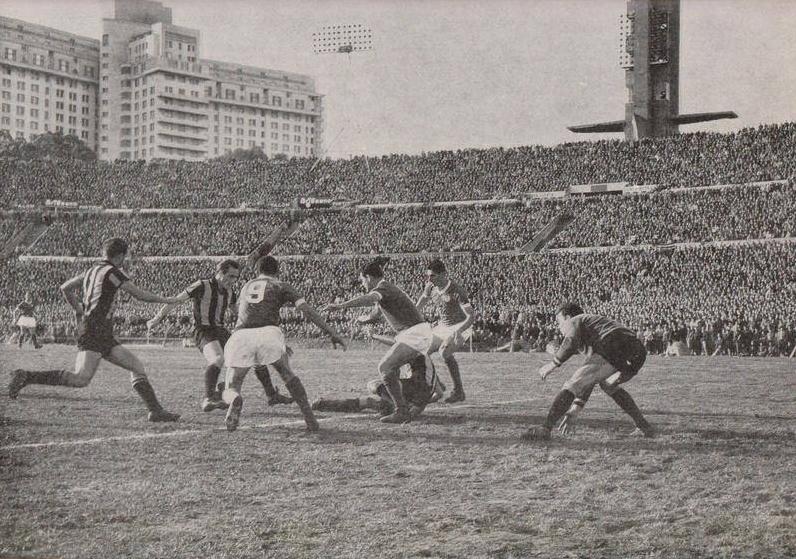 60 años de Copa Libertadores > Conoce como inició todo: Primer partido, goleador, campeón, etc. Además, los más campeones de la historia.